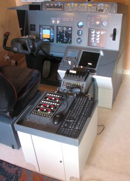 B737 NG 2/3 cockpit