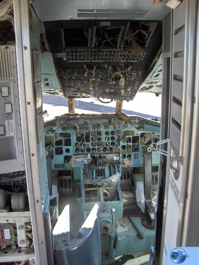 DC-9-31 cockpit