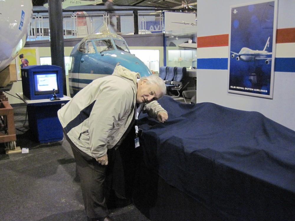 Phil744 & My A340 Overhead :)